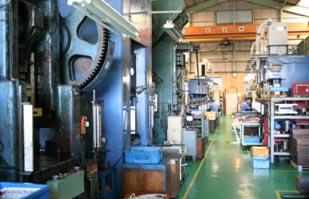 工場内 プレスライン